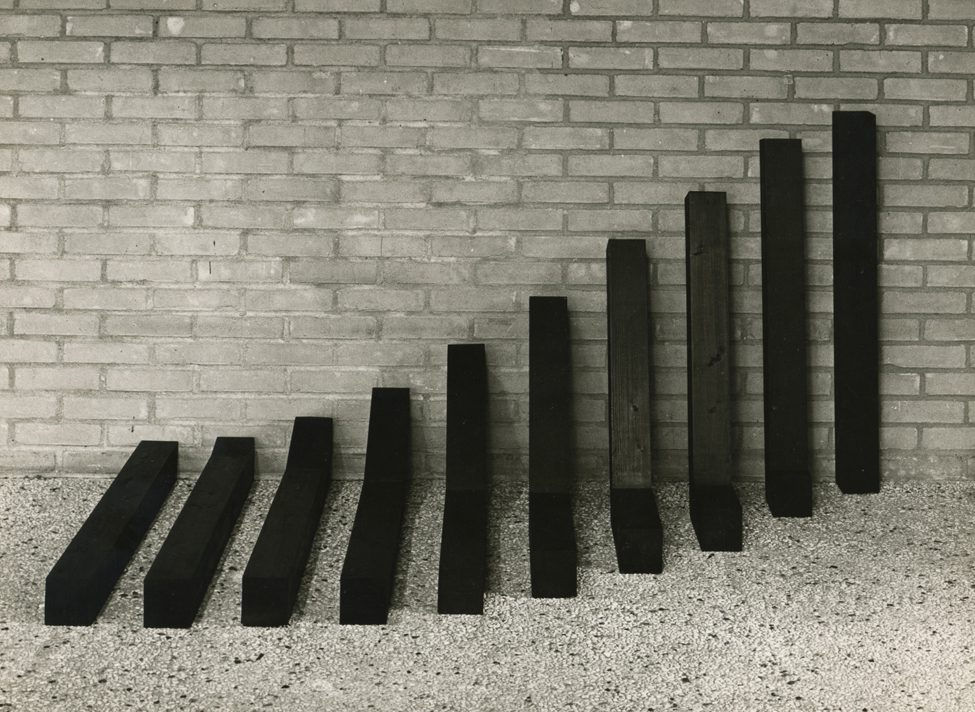 Ruudt Peters, Meter from horizontal to vertical, 1978. Foto met dank aan Ruudt Peters©