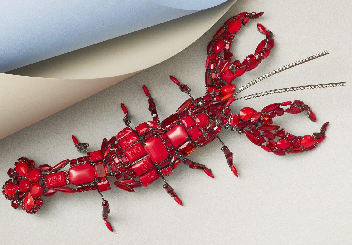 David Mandel, Lobster, broche/schouderstuk, glas en metaal, 1995, Collectie CODA. Foto met dank aan CODA©