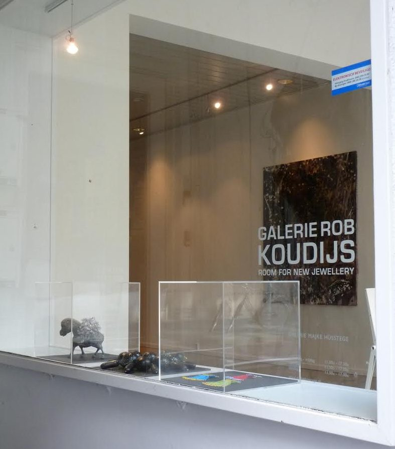 Galerie Rob Koudijs in Galerie Majke Hüsstege, Den Bosch, circa 2011. Foto met dank aan Galerie Rob Koudijs©