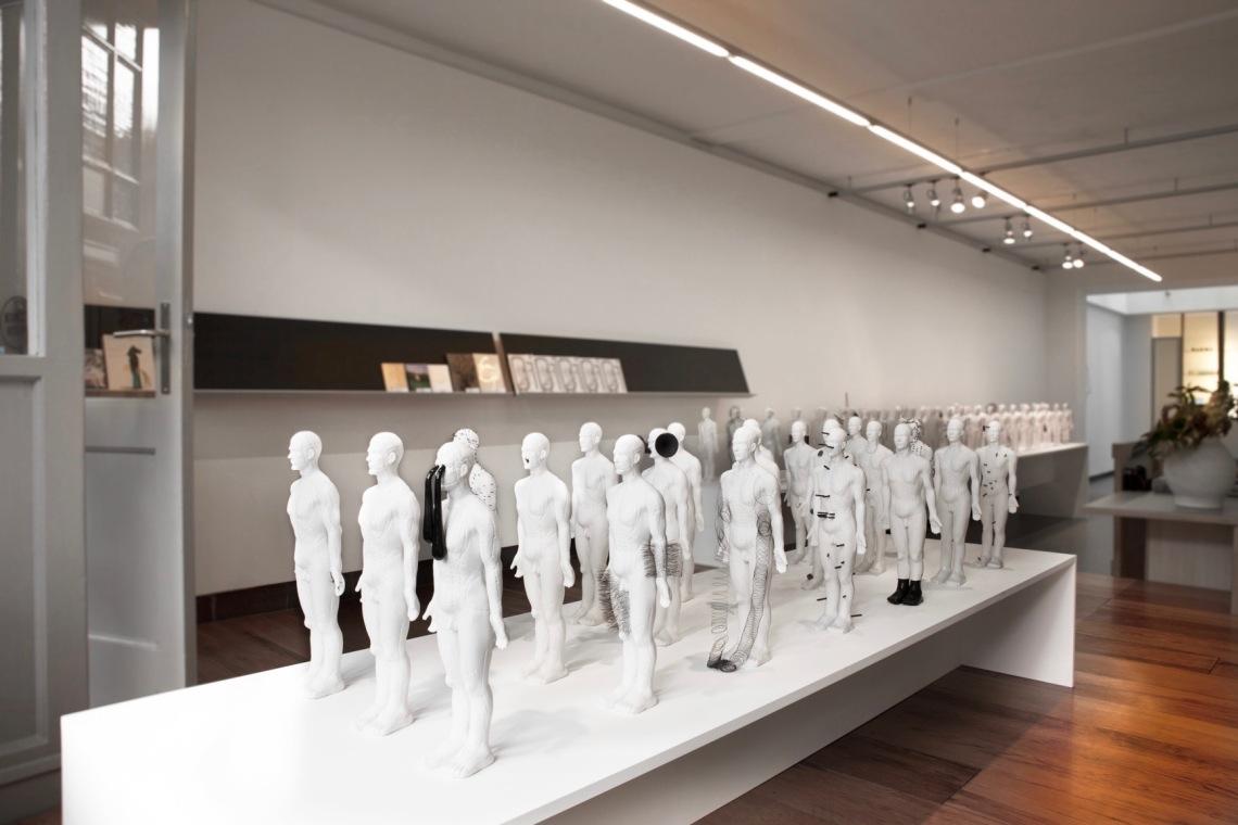 Ruudt Peters, Qi, in Galerie Rob Koudijs, 2013. Foto met dank aan Galerie Rob Koudijs©