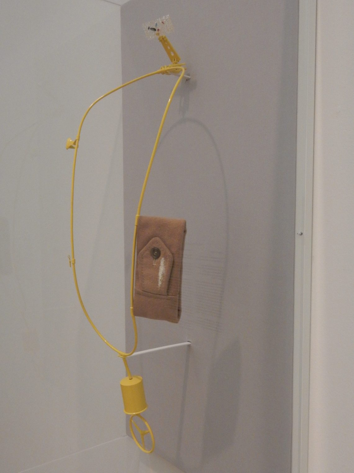 Ted Noten, Moskou, halssieraad, 2006. Stedelijk Museum Amsterdam, 2016. Foto Esther Doornbusch©