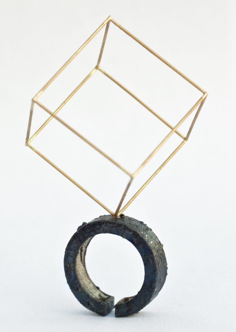Philip Sajet, Wenzel Jamnitzer Ring, goud en zilver, niëllo, 2016. Foto met dank aan Philip Sajet©