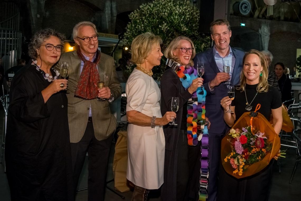 Opening 10 november 2016: Isabella van den Bos, Maarten Bodt, Maya Meijer, Astrid Berens, Stijn Schoonderwoerd en Prinses Margarita. Foto met dank aan Sieraad Art Fair, Arjen Veldt©