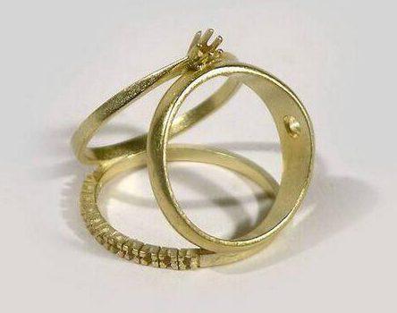 Gijs Bakker, You can't have it all, ring, 2005. Foto met dank aan SMS©