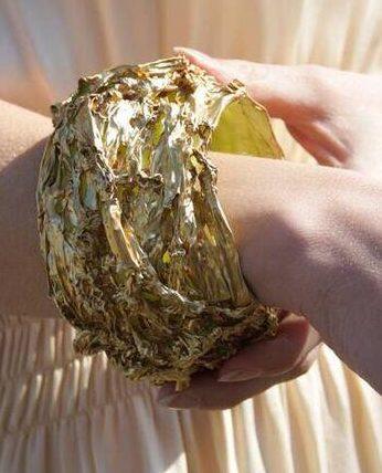 Gijs Bakker, Global Identiti, chp...? armband, 2013. Foto met dank aan SMS©