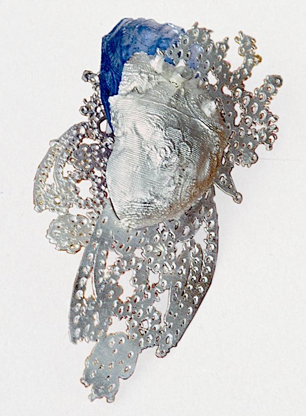 Andrea Wagner, Heart, broche, 1997. Foto met dank aan Andrea Wagner©
