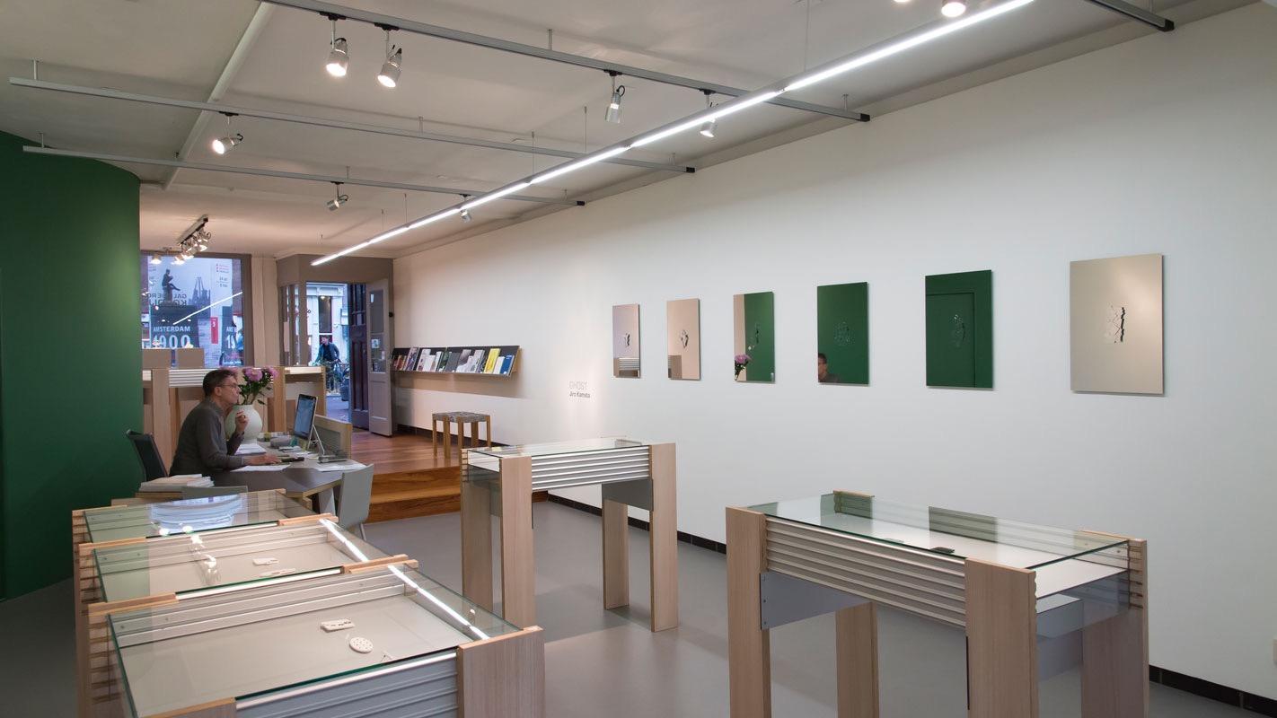 Jiro Kamata, Ghost, Galerie Rob Koudijs, 2016. Foto met dank aan Galerie Rob Koudijs©