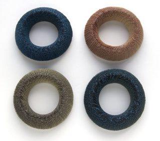 Nel Linssen, armbanden. Foto met dank aan Galerie Marzee©