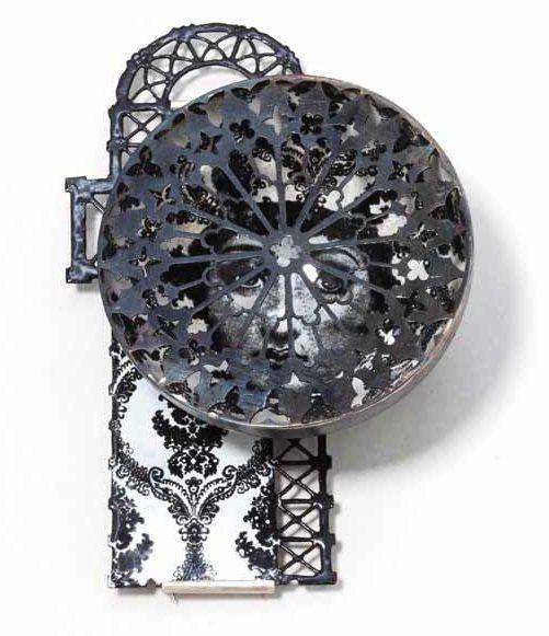 Vera Siemund, broche, 2012. Foto met dank aan Galerie Marzee©
