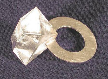Philip Sajet, ring, 2000. Foto met dank aan SMS©