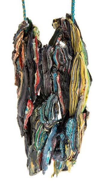 Ineke Heerkens, Wilde stromen, hanger, 2011. Foto met dank aan Galerie Marzee©