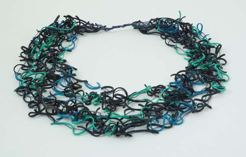Beppe Kessler, Vermicelli necklace, 1983. Foto met dank aan Beppe Kessler©