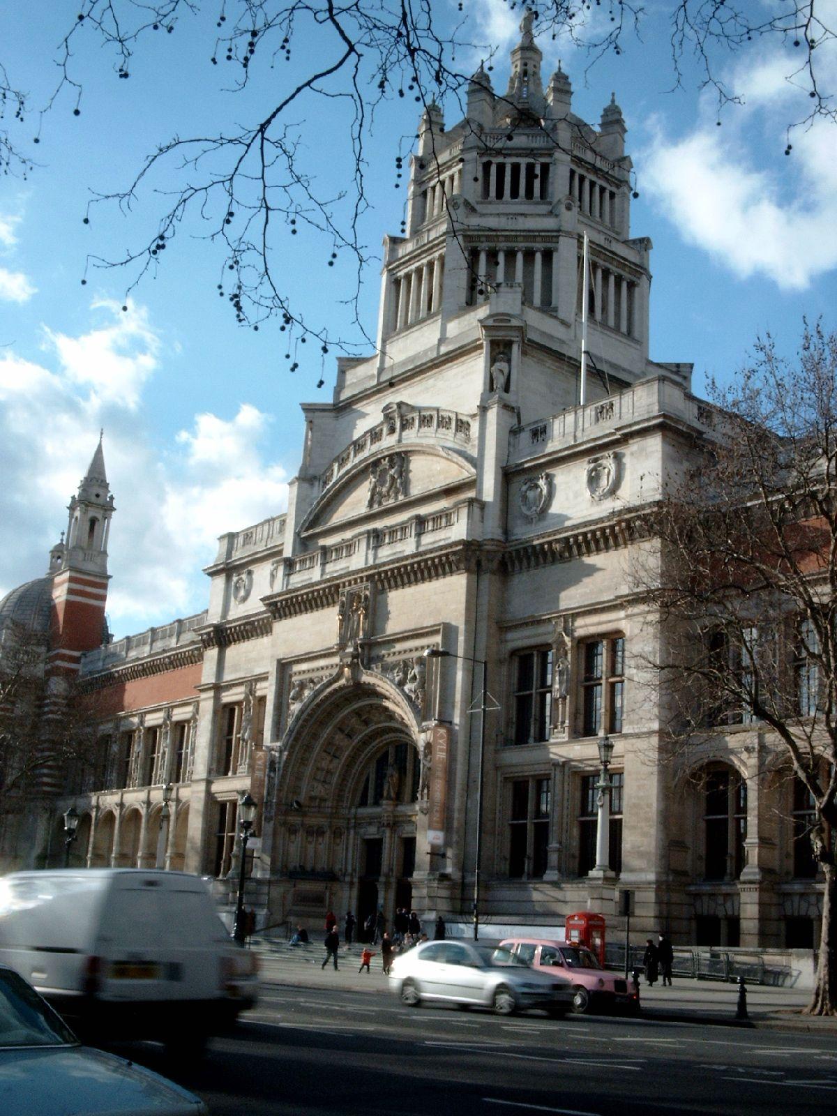 Victoria and Albert Museum. Foto met dank aan Wasily, publiek domein