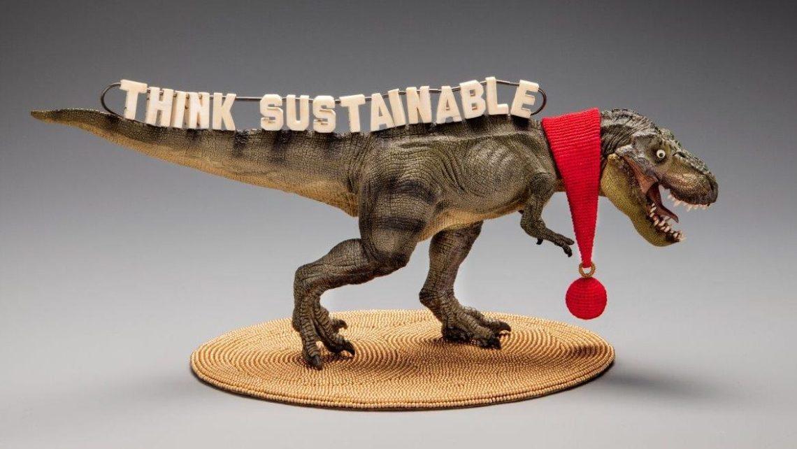 Felieke van der Leest, Think Sustainable!, object met halssieraad, 2017. Fotografie Eddo Hartmann©