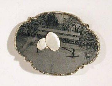 Bettina Speckner, Broche nr. 7, 2002. Foto met dank aan SMS©