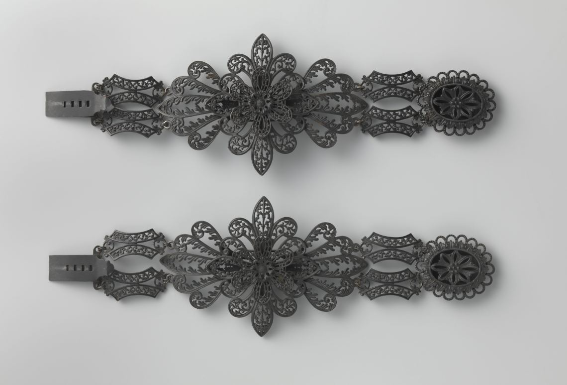 Johann Conrad Geiss, armbanden, circa 1825. Collectie Rijksmuseum, BK-1967-60, publiek domein (CC0 1.0)