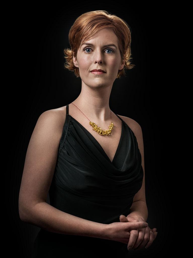 Nanna Melland gedragen door Hilde. Foto met dank aan Galerie Marzee, Johannes van Camp©
