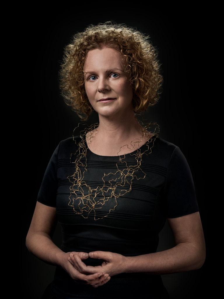 Annelies Planteijdt gedragen door Linda. Foto met dank aan Galerie Marzee, Johannes van Camp©