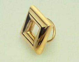 Ettore Sottsass, ring 1984. Foto met dank aan SMS©
