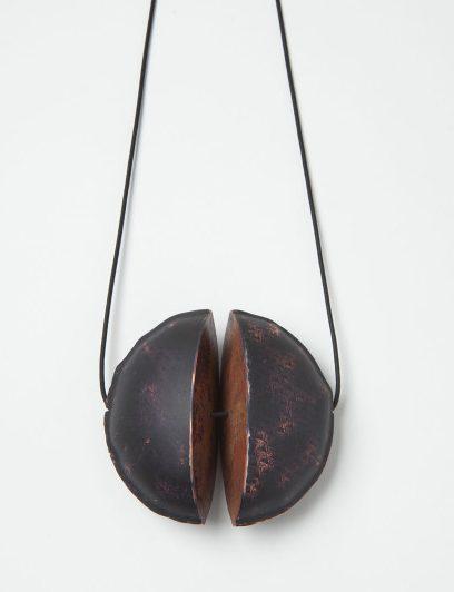 Nicole Beck, Black Moon, hanger, 2016. Foto met dank aan Galerie Marzee©