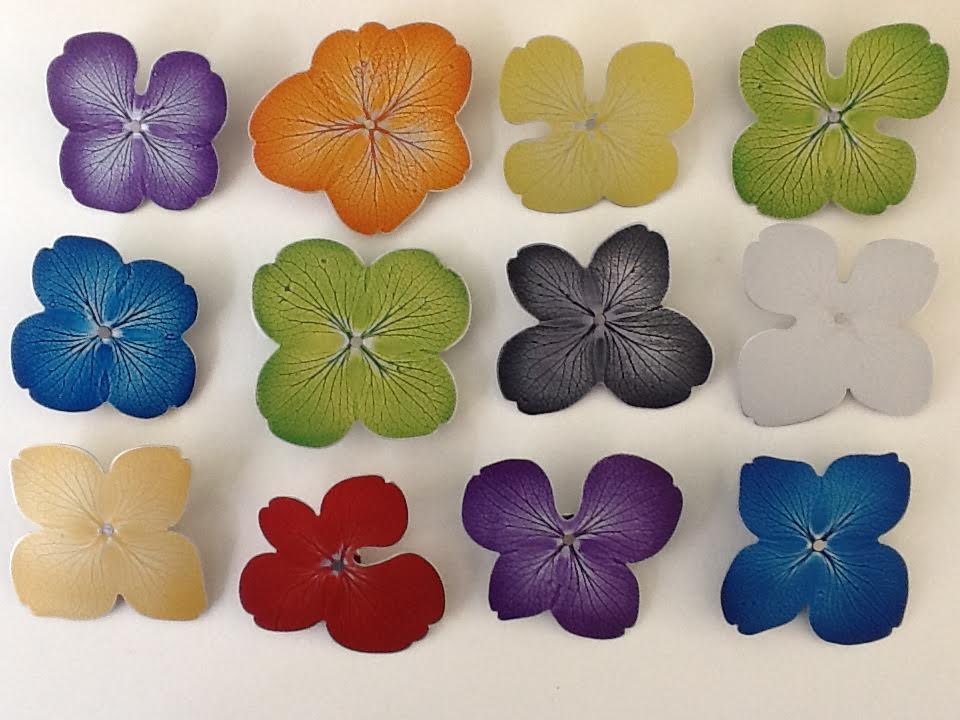 Sylvia Blickman, Bloem-Vlinders broches, 2010-2015. Foto met dank aan Sylvia Blickman©