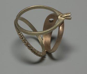 Gijs Bakker, You Can't Have It All, ring, 2005. Foto met dank aan Gijs Bakker©