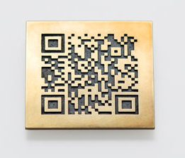 Gijs Bakker, QR brooch (Virtual Multiple), 2011.