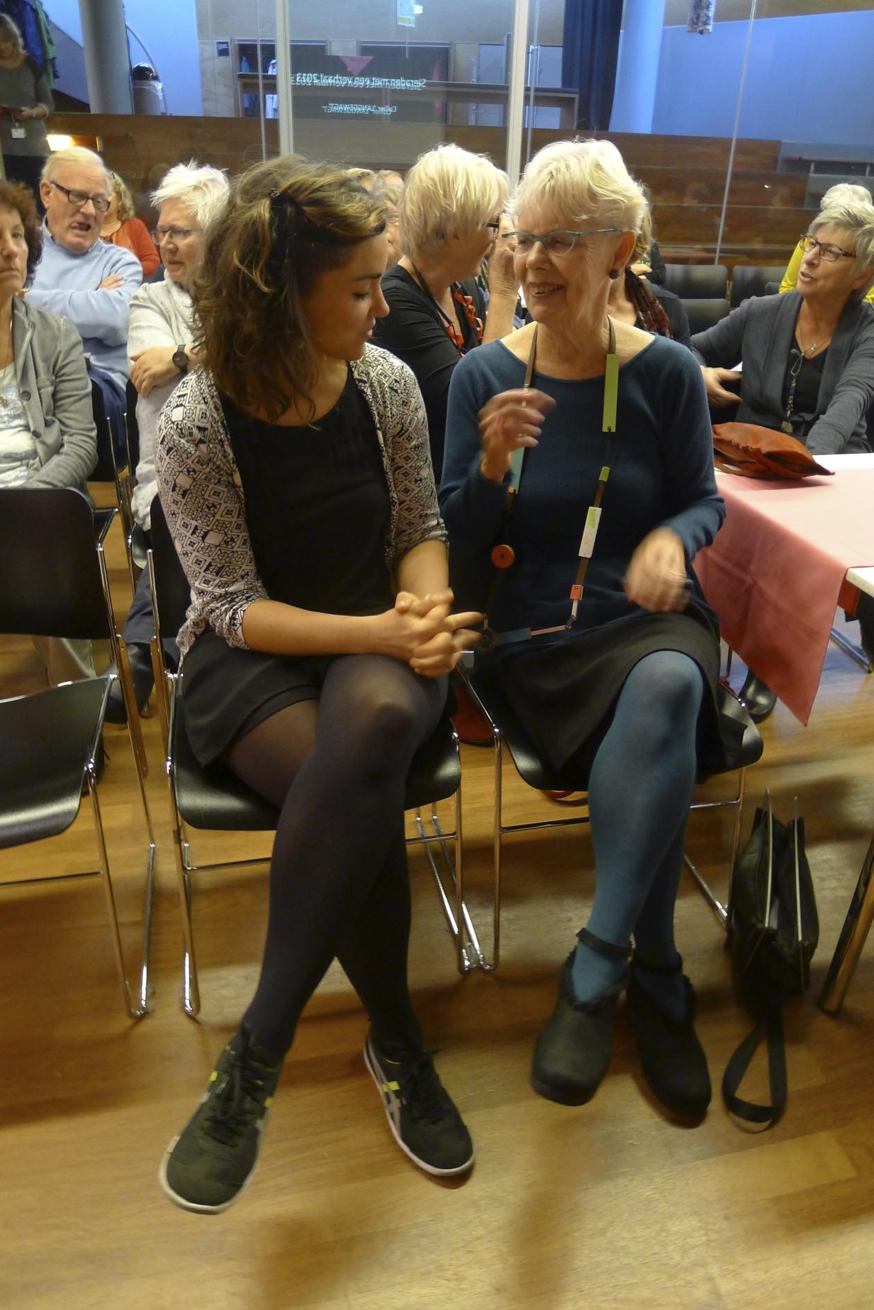 Réka Fekete en Claartje Keur in CODA tijdens Sieraden met een verhaal, 2013. Foto met dank aan Réka Fekete©
