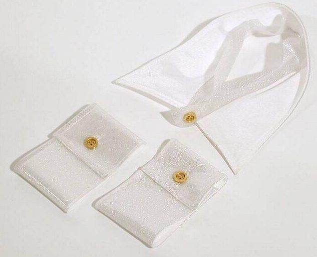 Ilkka Suppanen, halssieraad en 2 armbanden, 2002. Foto met dank aan SMS©