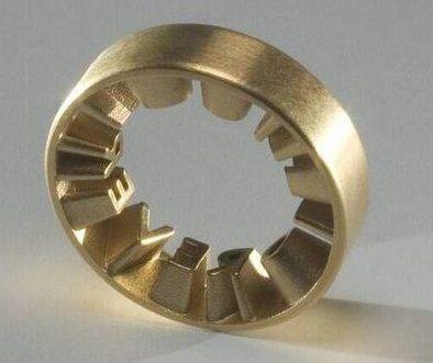 Ineke Hans, Forever yours, ring, prototype, 2005. Foto met dank aan SMS©