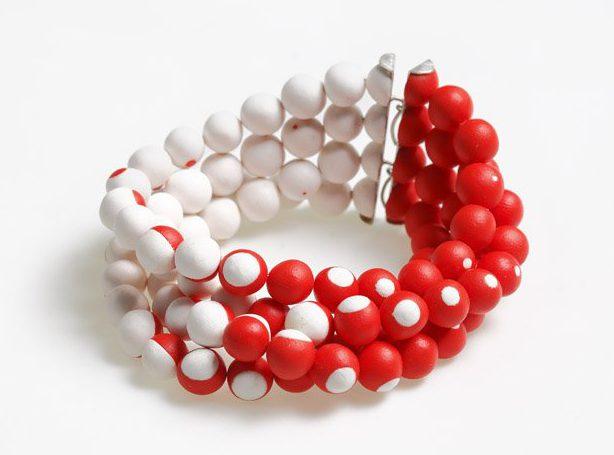 Julie Mollenhauer, armband, 2011. Foto met dank aan Galerie Marzee©