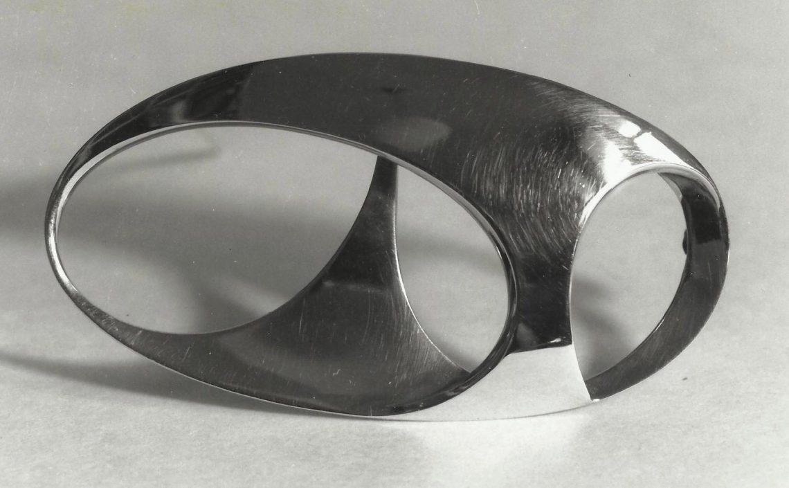 Riet Neerincx, broche, 1964. Foto met dank aan Clara de Goede©