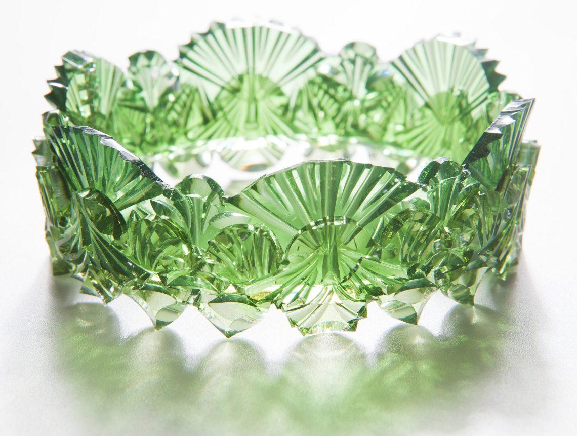Kath Inglis, Green Doily Cuff, armband. Foto met dank aan Kath Inglis©