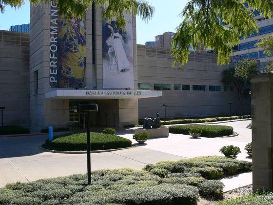 Dallas Museum of Art. Foto met dank aan Andreas Praefcke, publiek domein (CC0 1.0).