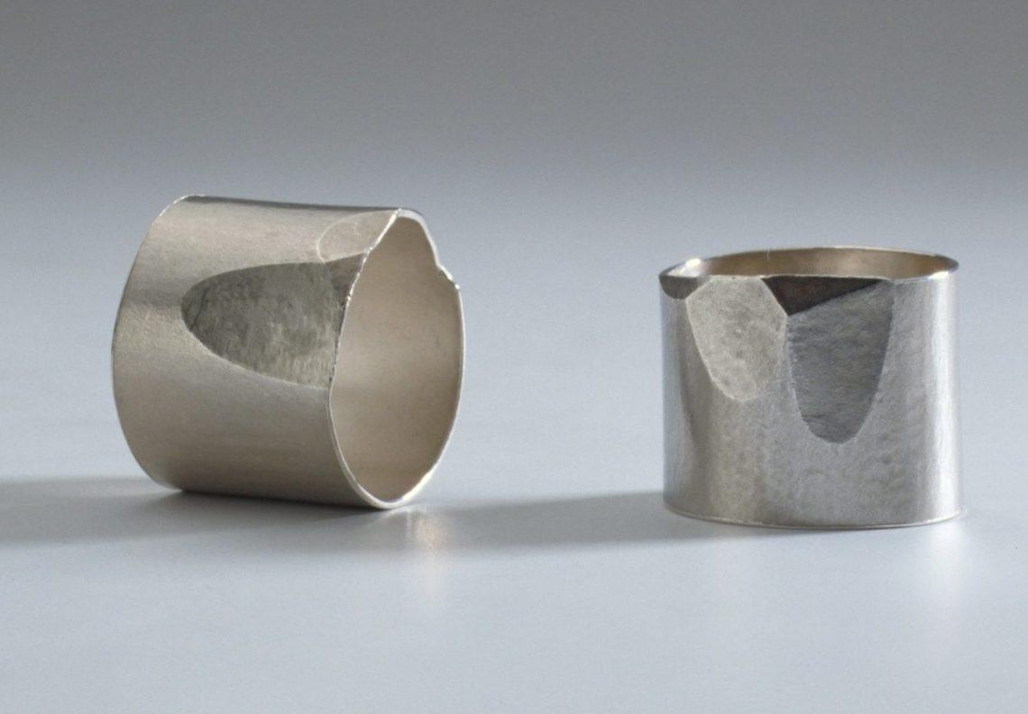 Onno Boekhoudt, ringen, 1990. Foto met dank aan Stichting Françoise van den Bosch©