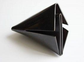 Françoise van den Bosch, tweedelig object, 1974. Foto met dank aan Stichting Françoise van den Bosch©