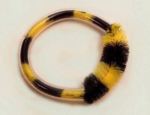 Marga Staartjes, Poetsnaaf armband, ontwerp 1978, uitvoering 1999. Foto met dank aan SMS©