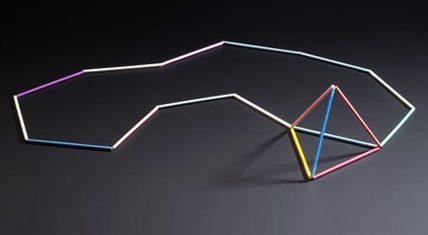 Marc Monzó, Plastic Sticks, halssieraad, 2004. Foto met dank aan Stichting Françoise van den Bosch©