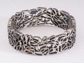 Onbekend, mogelijk Françoise van den Bosch, armband. Foto met dank aan Stichting Françoise van den Bosch©