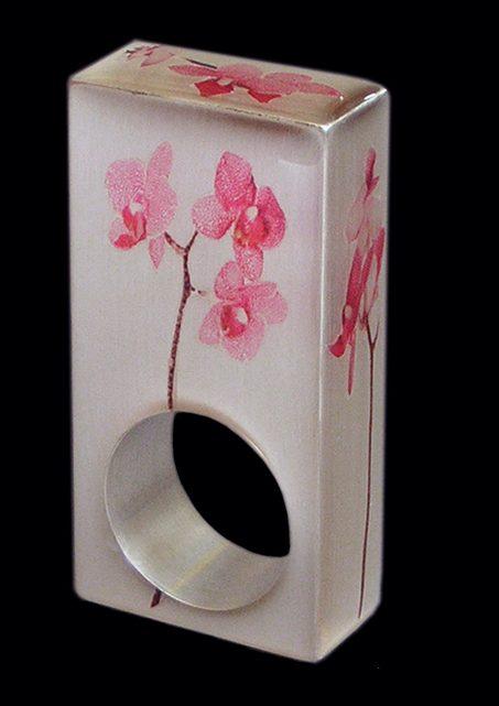Susanne Klemm, Orchid, ring, 2003. Foto met dank aan Susanne Klemm©