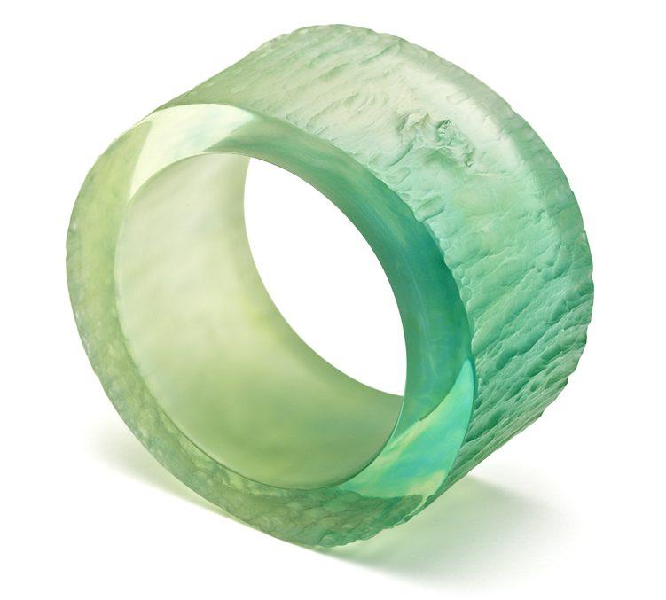 Susanne Klemm, Green, Woodbracelet, armband, 2011. Foto met dank aan Susanne Klemm©
