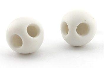 Kiko Gianocca, Skull, earrings, 2007. Foto met dank aan Gallery Funaki©