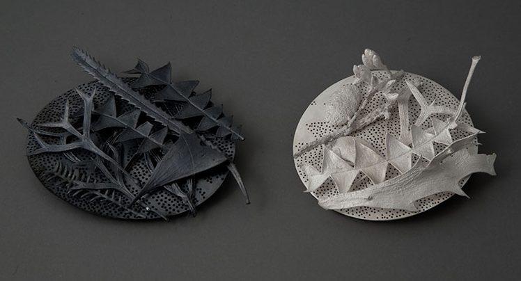 Marian Hosking, Leaf litter WA brooches, 2009. Foto met dank aan Gallery Funaki©
