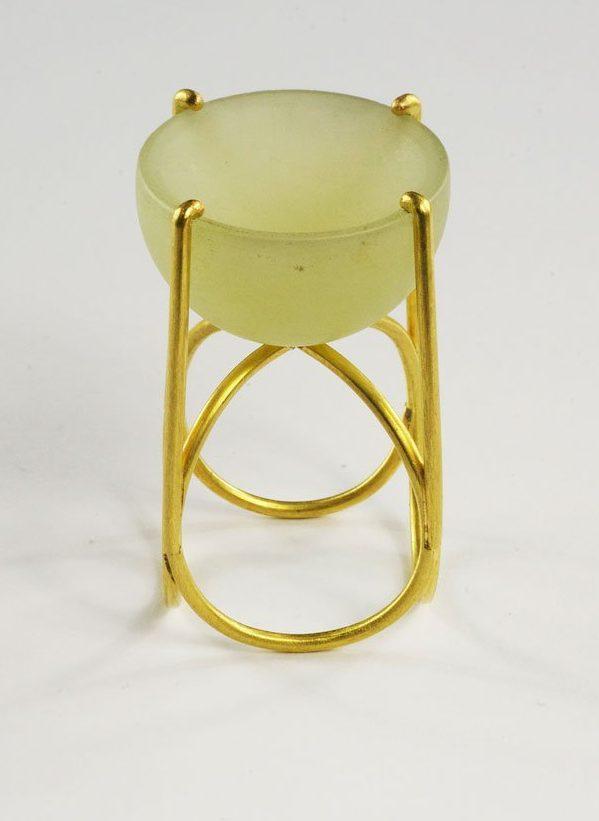 Beate Klockmann, ring, 2003. Foto met dank aan Galerie Marzee©