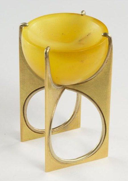 Beate Klockmann, ring. Foto met dank aan Galerie Marzee©