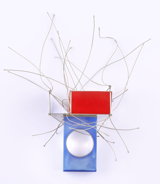 Peter Skubic, Spannung, ring, 2005. Collectie Bollmann. Foto met dank aan Deutsches Goldschmiedehaus, Sophie Tiller©