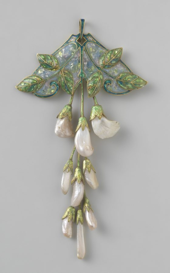 Georges Fouquet, hanger, circa 1909. Collectie Rijksmuseum, BK-1970-64, publiek domein