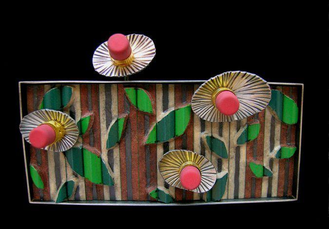 Lisa & Scott Cylinder, Flower Garden Brooch, broche, 2007. Foto met dank aan Lisa & Scott Cylinder©