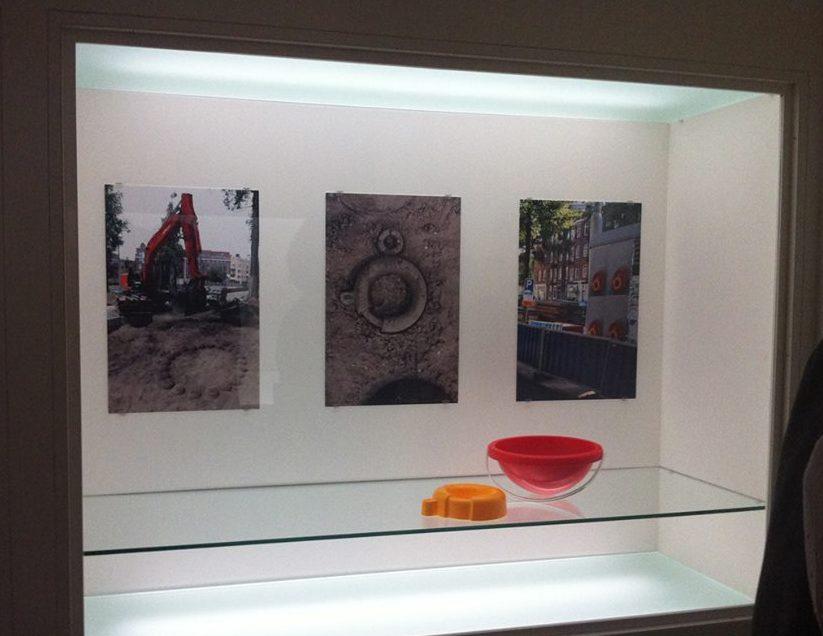 Liesbet Bussche in het Stedelijk Museum Amsterdam. Foto met dank aan Liesbeth den Besten©