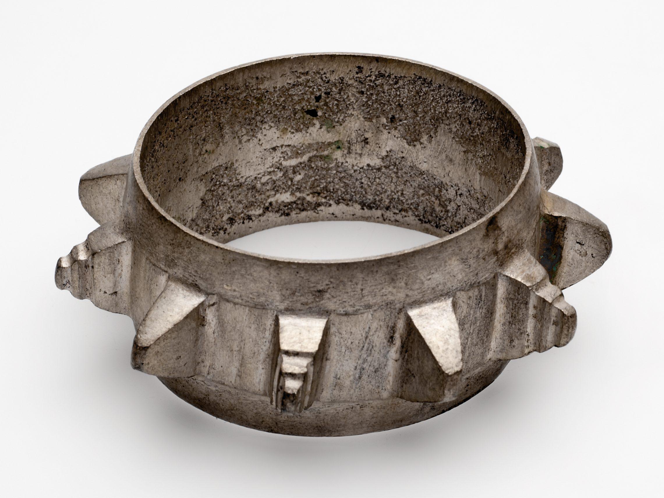 Armband van zilver. Foto met dank aan Museum Volkenkunde©